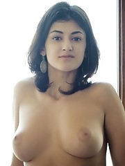 Alluring naked girl