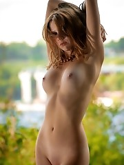 Naked hottie outdoors